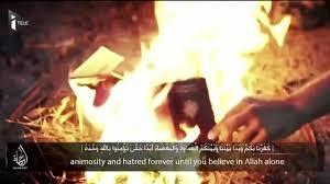 djihadistes brûlant leur passeport.jpg